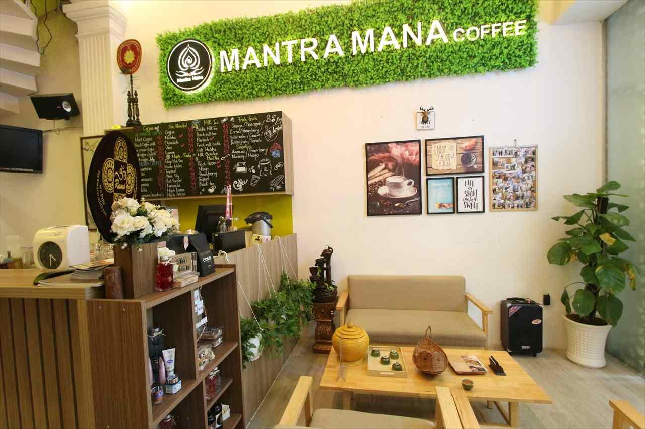 マンチャマナカフェ&スパのレセプション