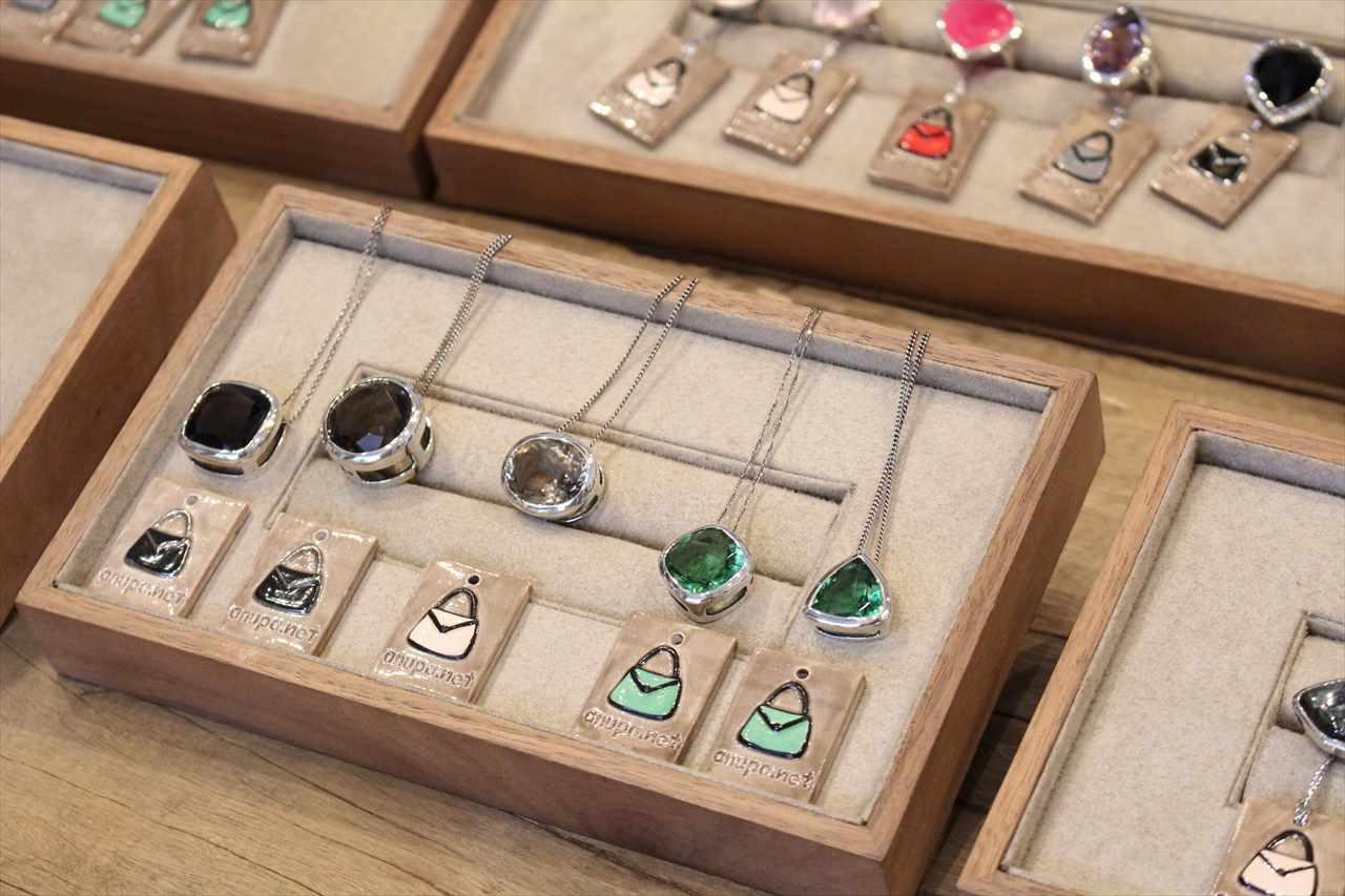 ホーチミンのお土産「指輪」の写真