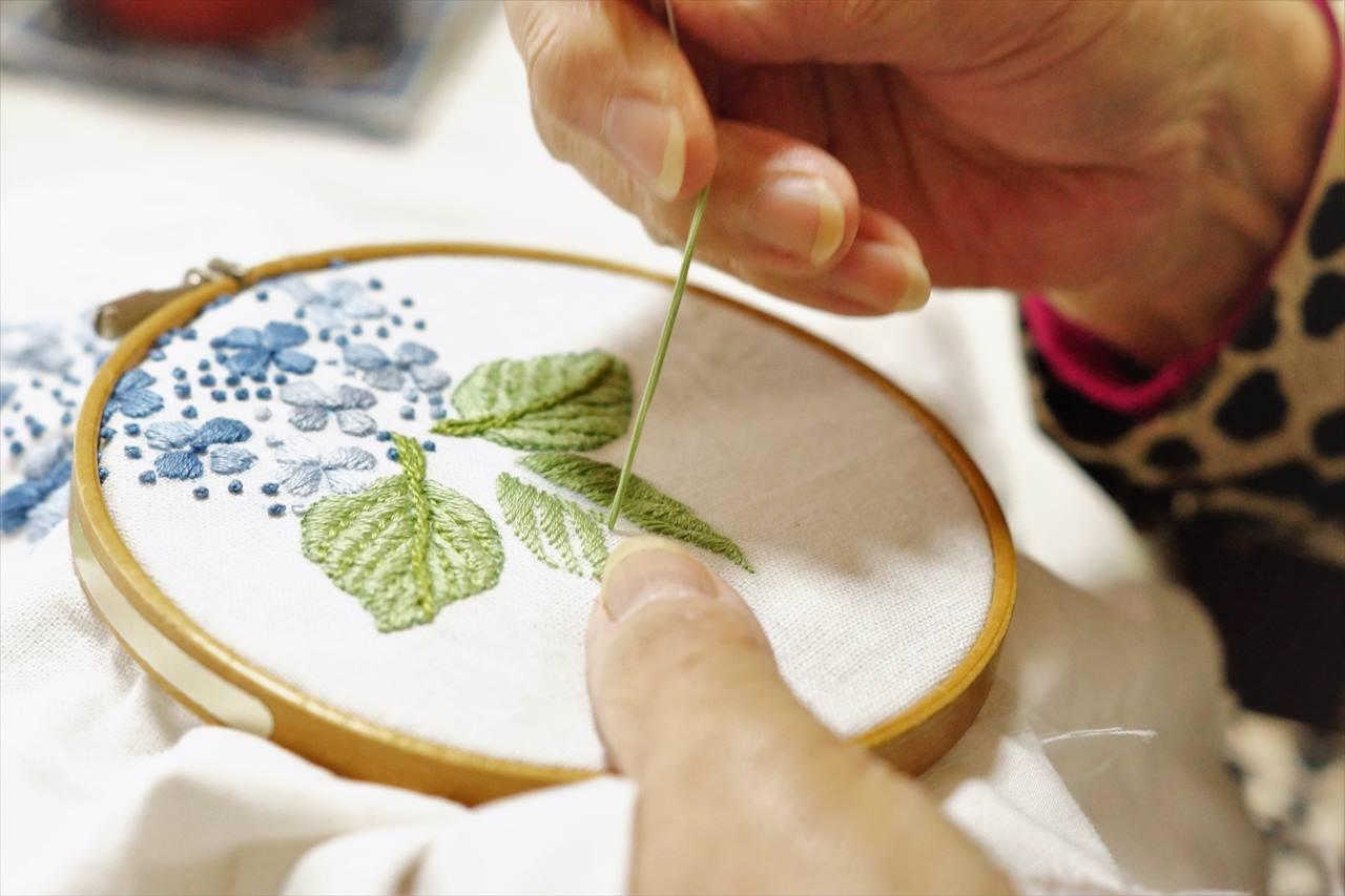 ホーチミンのお土産の刺繍ハンカチの写真