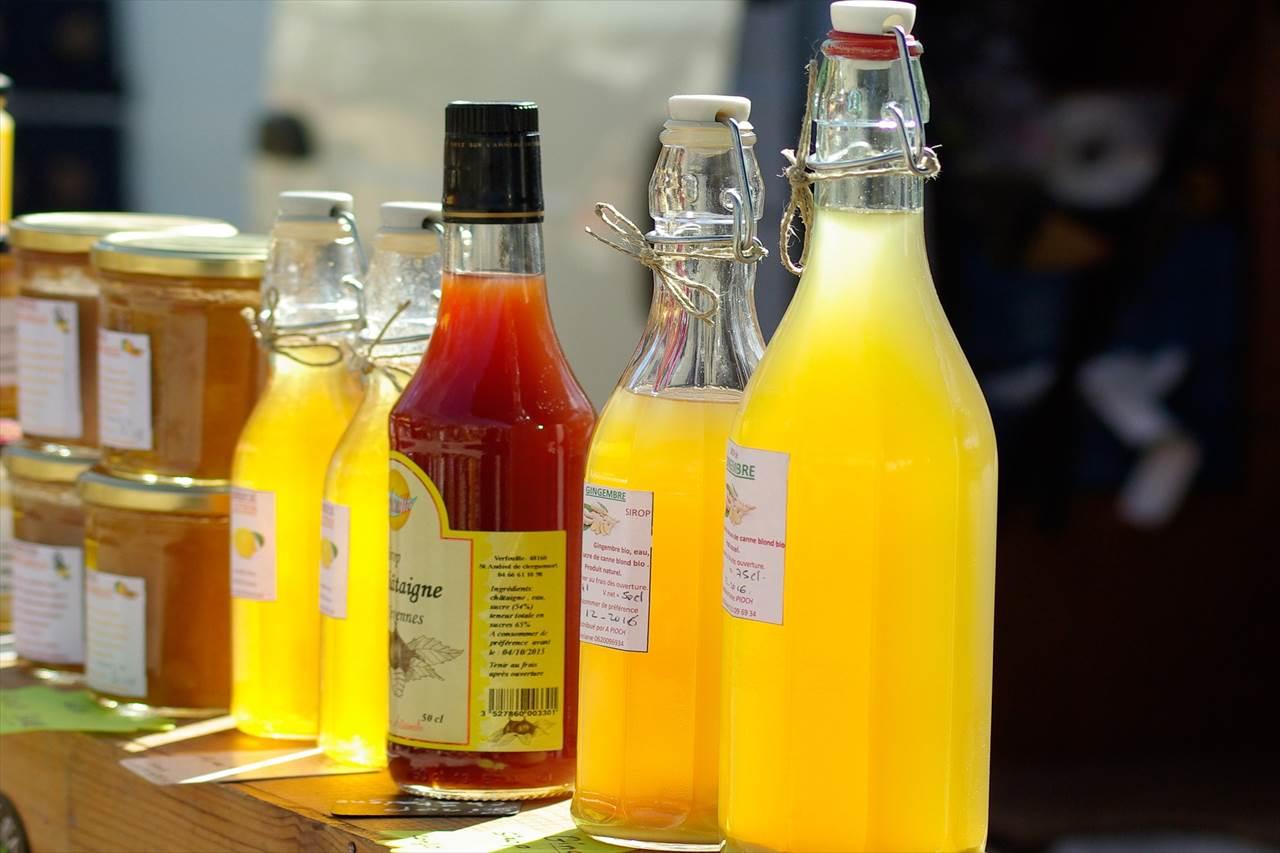 蜂蜜とジュースの写真