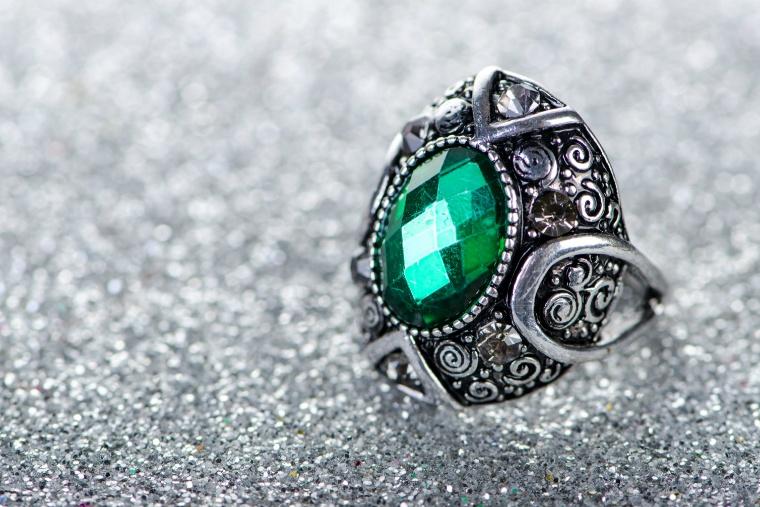 ヒスイの指輪