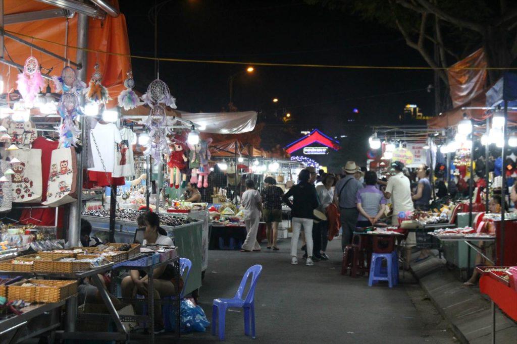 ソンチャナイトマーケット