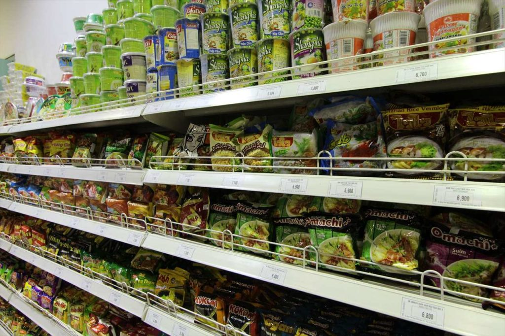 インスタント麺を買うポイント② 商品を選ぶときは値段をよく確認
