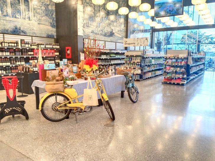 3000以上の国内外の食料品雑貨を置くスーパーをご案内