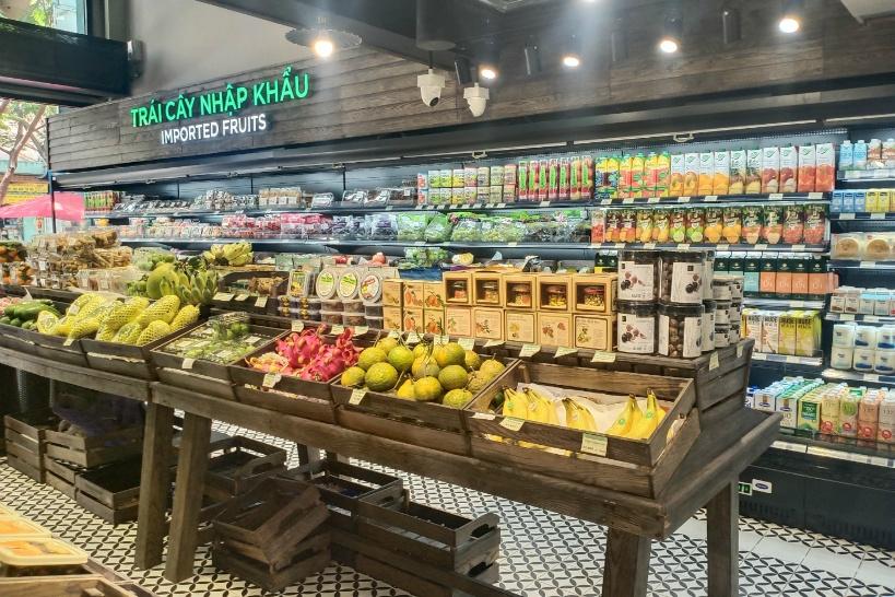 世界中の輸入食品を集めたメコングルメマーケット